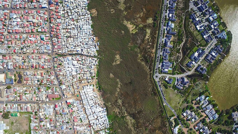 drone-photos-inequality-south-africa-johnny-miller-14
