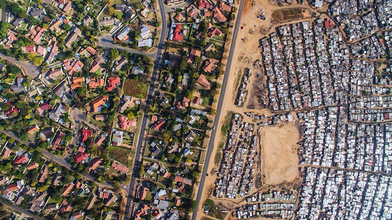 drone-photos-inequality-south-africa-johnny-miller-2