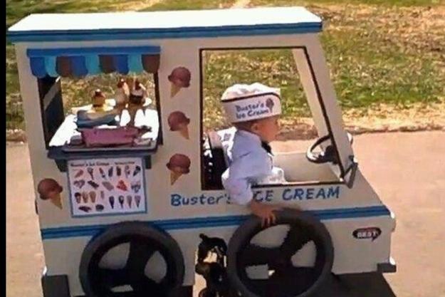 Les parents qui ont fait le fauteuil roulant de leur fils en meilleur costume d'Halloween - See more at: http://www.espritsciencemetaphysiques.com/26-moments-retabli-foi-l-humanite.html#sthash.b5SAHIzn.dpuf