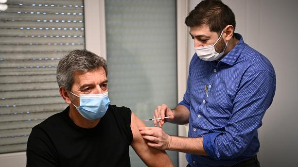 Michel Cymes passeport vaccinal