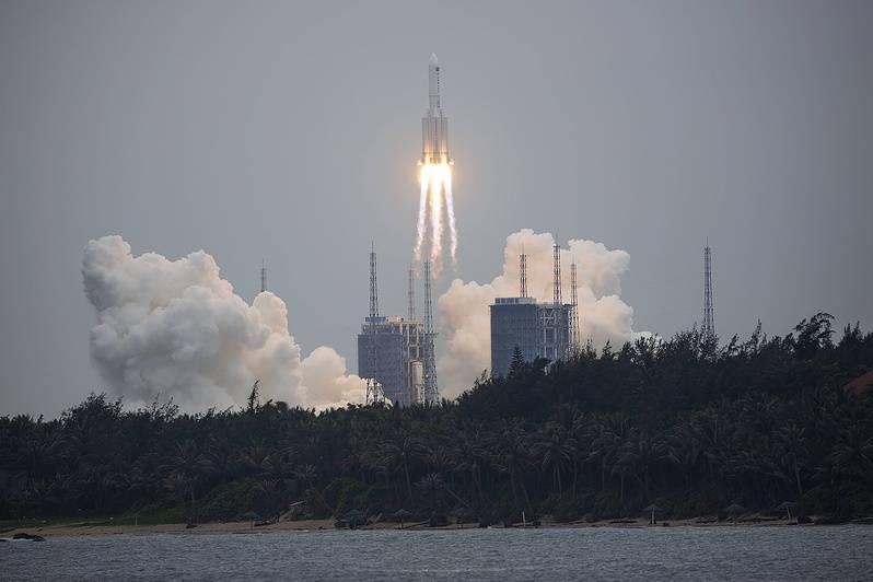 fusée chinoise Longue Marche 5b